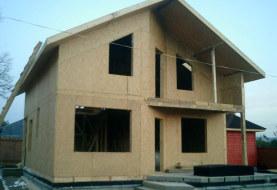 Домокомплект двухэтажного дома из СИП панелей с балконом